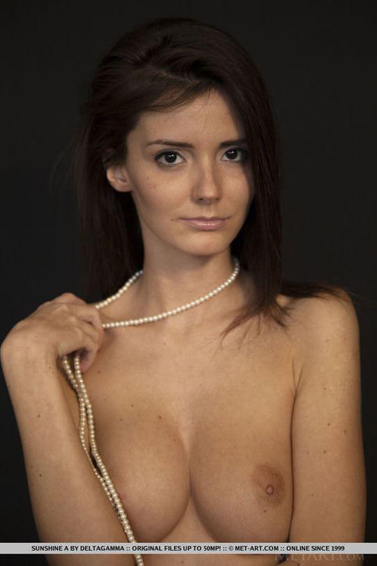 【外人】めっちゃ美人で清楚なロシアン美女のサンシャイン(Sunshine)のパックリまんことおっぱいのポルノ画像 324
