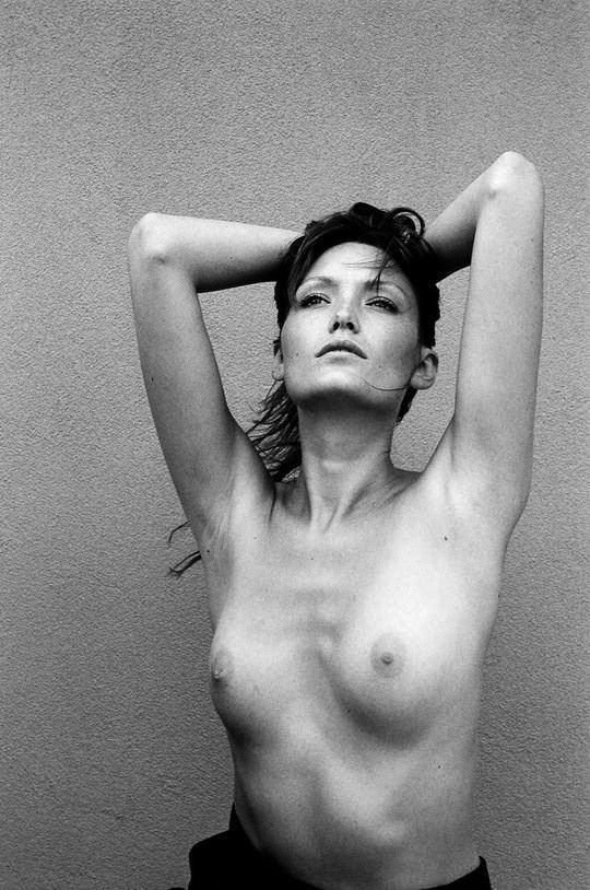 【外人】自分の魅力を引き出すためにヌードで頑張る無名ファッションモデルのポルノ画像 3323