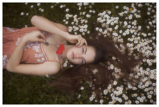 【外人】誰もが認める北欧系美女の芸術的セミヌードポルノ画像 353