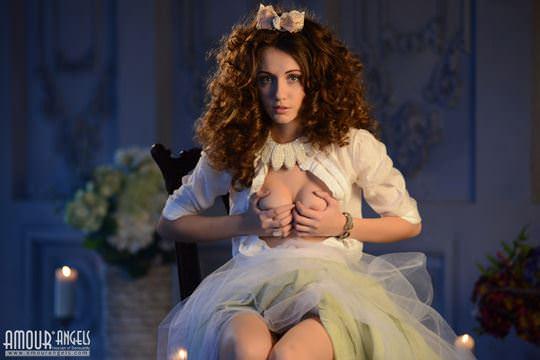 【外人】ロシア人美少女期待の新人サブリナの(Sabrina)のおまんこご開帳ポルノ画像 358