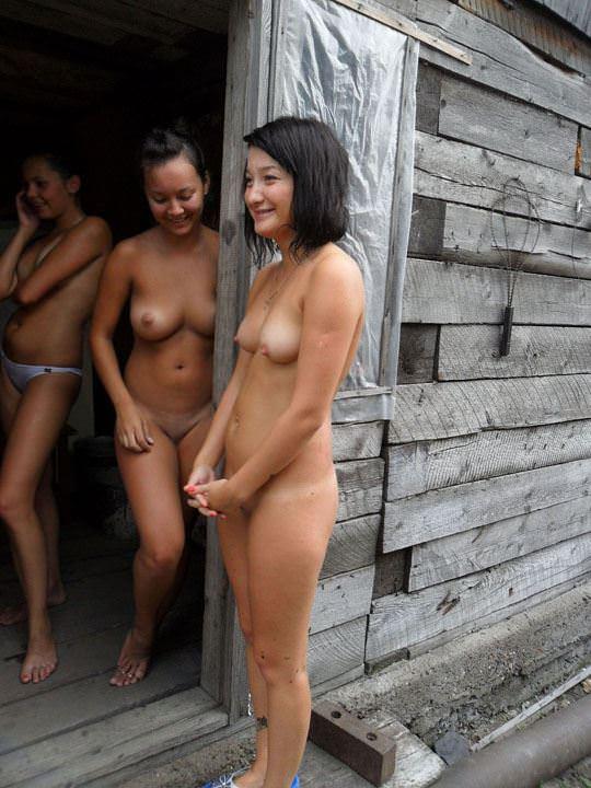 【外人】ロシア人の仲良し素人女子大生5人がサウナでパイパン記念撮影ポルノ画像 3715