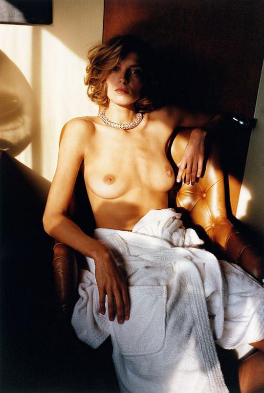 【外人】自分の魅力を引き出すためにヌードで頑張る無名ファッションモデルのポルノ画像 4012