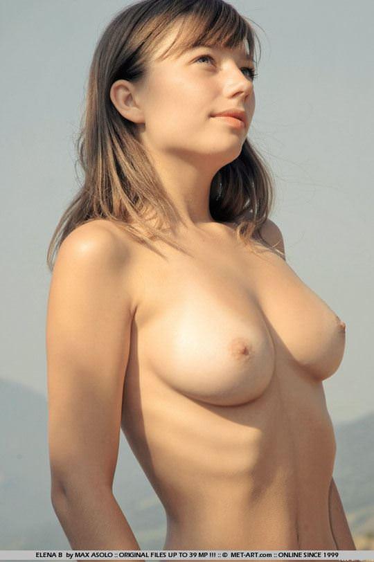 【外人】ウクライナ出身エレナ(Elena B)がめっちゃ可愛くて素晴らしい巨乳おっぱいをしてる露出ポルノ画像 4109