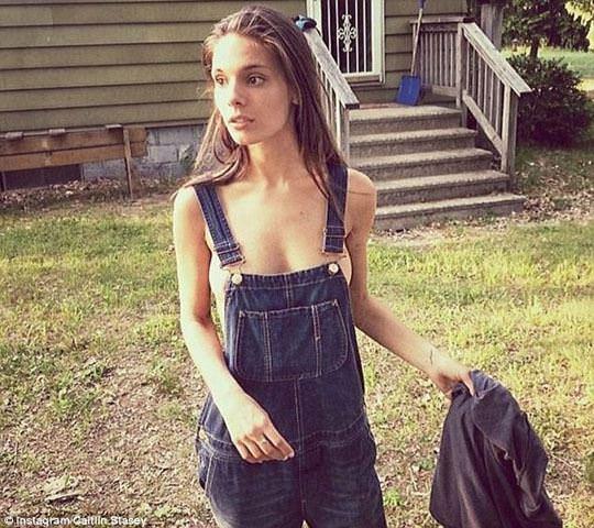【外人】オーストラリアの女優ケイトリン・ステイシー(Caitlin Stasey)のまんこにぶち込みたくなる巨乳おっぱいポルノ画像 4134
