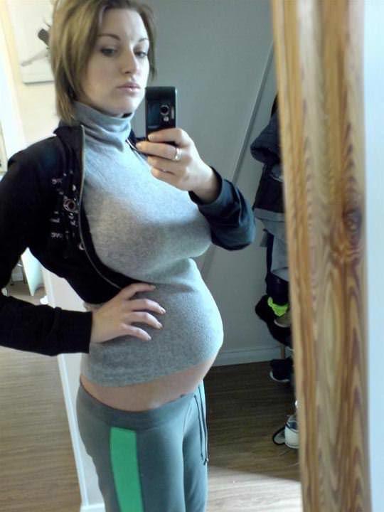【外人】10代で妊娠してしまった若人妻たちの自画撮りお腹の素人ポルノ画像 4147
