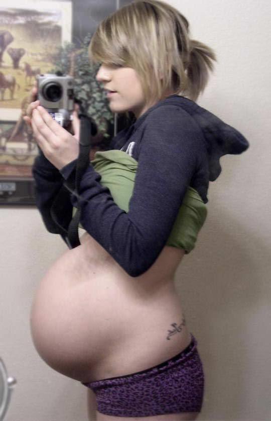 【外人】10代で妊娠してしまった若人妻たちの自画撮りお腹の素人ポルノ画像 4217