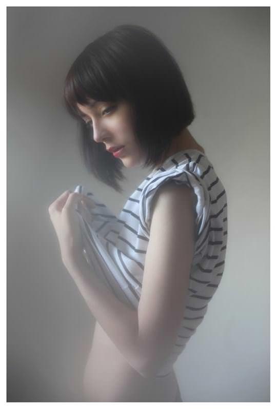 【外人】誰もが認める北欧系美女の芸術的セミヌードポルノ画像 433