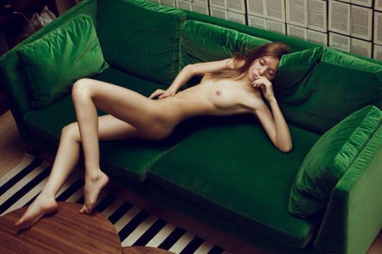 【外人】自分の魅力を引き出すためにヌードで頑張る無名ファッションモデルのポルノ画像 4710