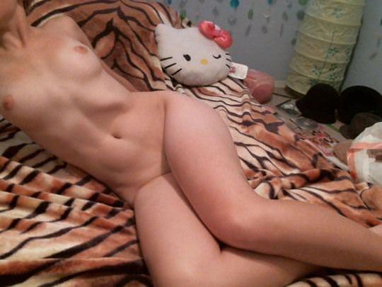 【外人】ロシアのメンヘラ娘のエッチな自画撮りアルバムポルノ画像 494
