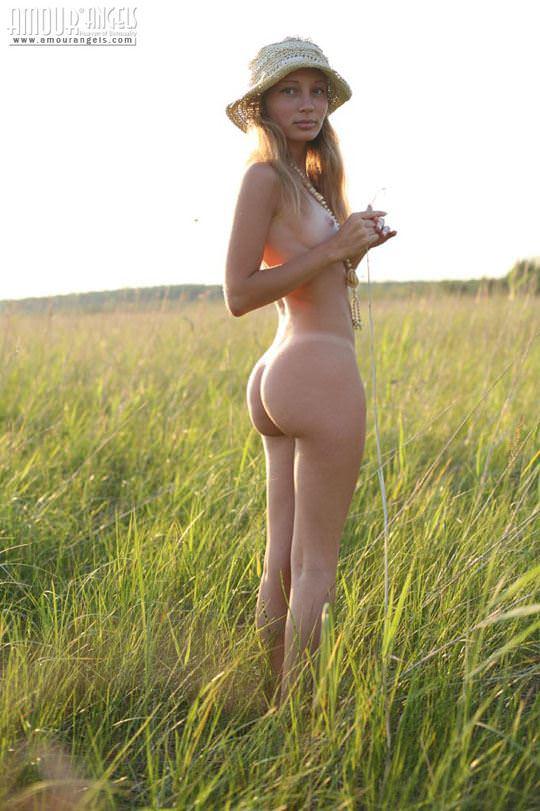 【外人】元気いっぱいな笑顔が素敵なロシアン美少女マーシャ(Masha)のヌードポルノ画像 499
