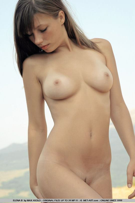 【外人】ウクライナ出身エレナ(Elena B)がめっちゃ可愛くて素晴らしい巨乳おっぱいをしてる露出ポルノ画像 585