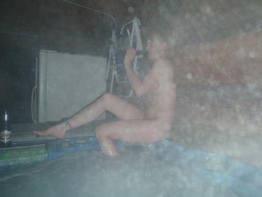 【外人】女友達と温泉入って自画撮りしたりおっぱい隠し撮りしてるポルノ画像 613