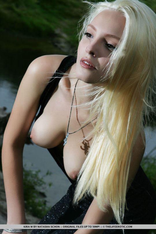 【外人】人気のウクライナ美女のキラ(Kira W)の美しい芸術的なヌードポルノ画像 743