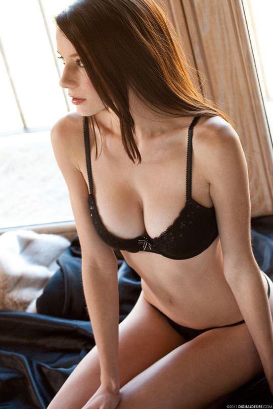 【外人】アメリカ人のスレンダー巨乳おっぱい女リリー・マークス(Rilee Marks)のポルノ画像 82