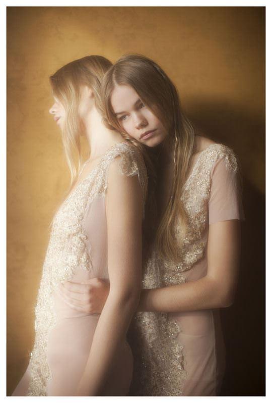 【外人】シースルーの下着を着た美少女姉弟のセミヌードポルノ画像 852
