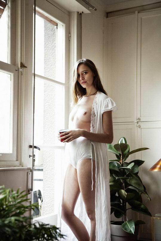 【外人】大人な女性のマヤ・シモンセン(Maja Simonsen)の芸術的でありエロティックなポルノ画像 975