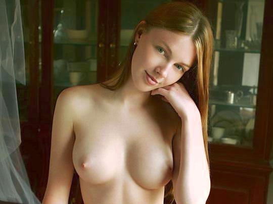 【外人】 処女のように美しいおっぱいを持つポーランドのミーガン(Megan)がヌード撮影してるポルノ画像 0121