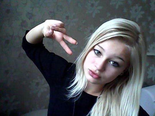 【外人】素人なのにガチ美少女のロリティーンの自画撮りポルノ画像 013