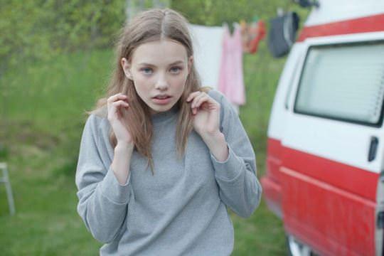 【外人】ロリータ顔のアメリカ人美少女モデルのクリスティン・フローセス(Kristine Froseth)が野外キャンプしてるポルノ画像 0143