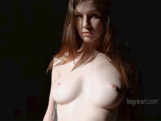 【外人】ウクライナの美白巨乳エミリー・ブルーム(Emily Bloom)が電マでガチ逝きしてるオナニーポルノ画像 0159