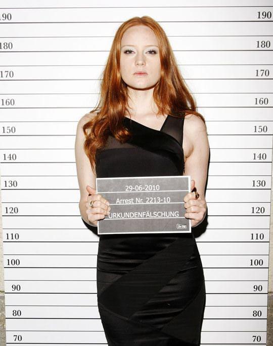 【外人】ドイツ人スーパーモデルのバーバラ・マイヤー(Barbara Meier)の乳首がピンク過ぎるおっぱいポルノ画像 1027