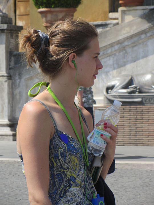 【外人】ローマで街撮りされちゃった女の子たちの着衣エロポルノ画像 105