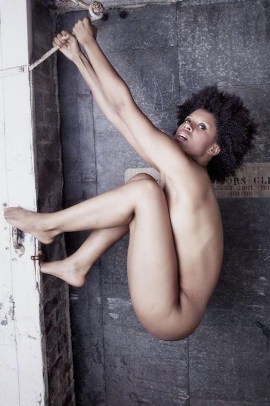 【外人】黒光りした裸体が神々しい黒人美女たちのセクシーおっぱいヌードポルノ画像 11106