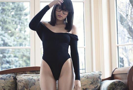 【外人】語学堪能のカナダ出身激カワモデルのセミヌードグラビアポルノ画像 11121