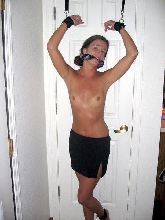 【外人】緊縛・拘束で調教される事に性的興奮を感じる海外美女のソフトSMポルノ画像 11133