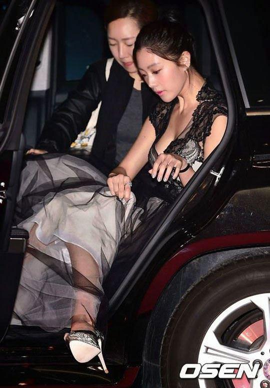 【外人】整形大国の韓国人美女のおっぱいが爆乳過ぎてめちゃシコなポルノ画像 1142