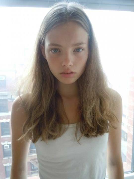 【外人】これぞ美少女顔なロリ娘クリスティン・フローセス(Kristine Froseth)のモデル写真ポルノ画像 1243