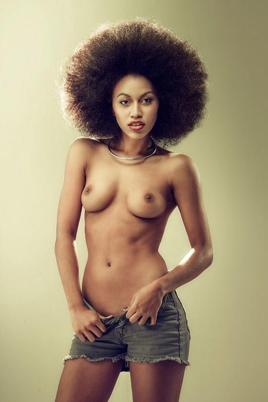 【外人】黒光りした裸体が神々しい黒人美女たちのセクシーおっぱいヌードポルノ画像 1262