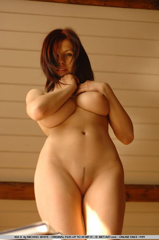 【外人】18歳でとろけるような爆乳ボディのイガ(Iga A)のダイナマイトセクシーヌードポルノ画像 1266