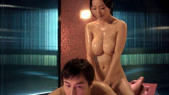 【外人】 モンゴル族出身のワン・リー・ダン(王李丹 Wang Li Dan)の巨乳おっぱいが神レベルのソープポルノ画像 1281