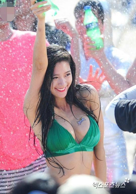 【外人】整形大国の韓国人美女のおっぱいが爆乳過ぎてめちゃシコなポルノ画像 1330