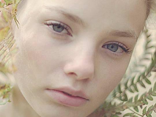【外人】これぞ美少女顔なロリ娘クリスティン・フローセス(Kristine Froseth)のモデル写真ポルノ画像 1340