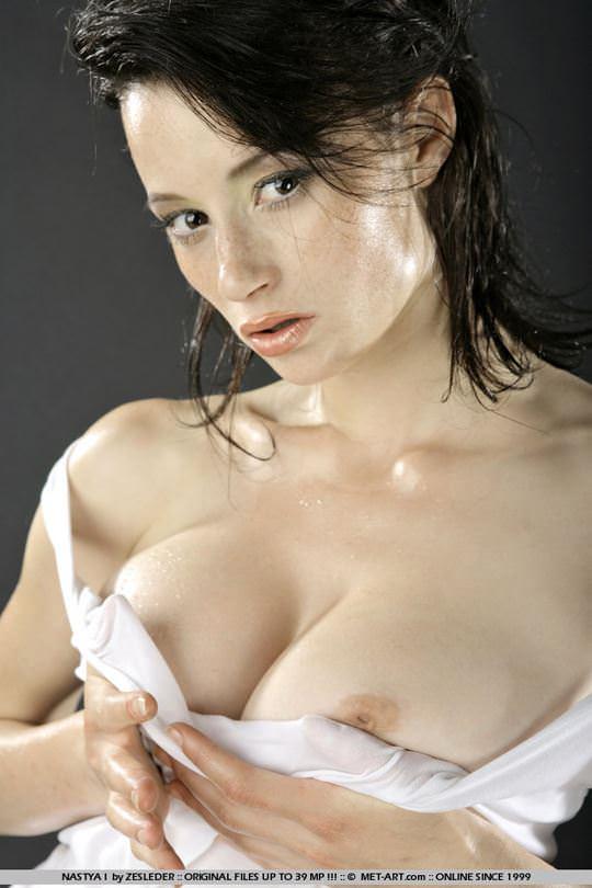 【外人】大自然と見事にマッチしてる巨乳おっぱいモデルのアナスタシア(Anastasia Gurtovaya)の野外露出ポルノ画像 1390