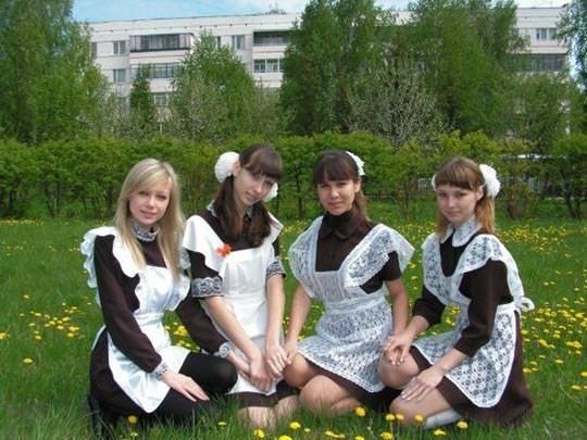 【外人】学校の美人コンテストに出場するロシアン素人美少女の77センチ貧乳バストのポルノ画像 1468