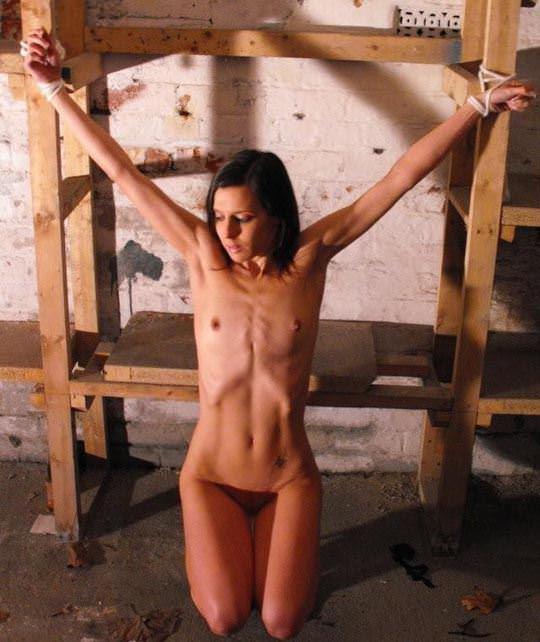 【外人】緊縛・拘束で調教される事に性的興奮を感じる海外美女のソフトSMポルノ画像 1482