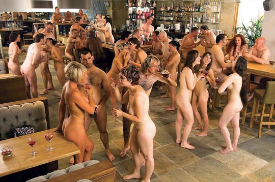 【外人】裸で居ることが大好きなヌーディスト達のアウトドアライフのポルノ画像 1488