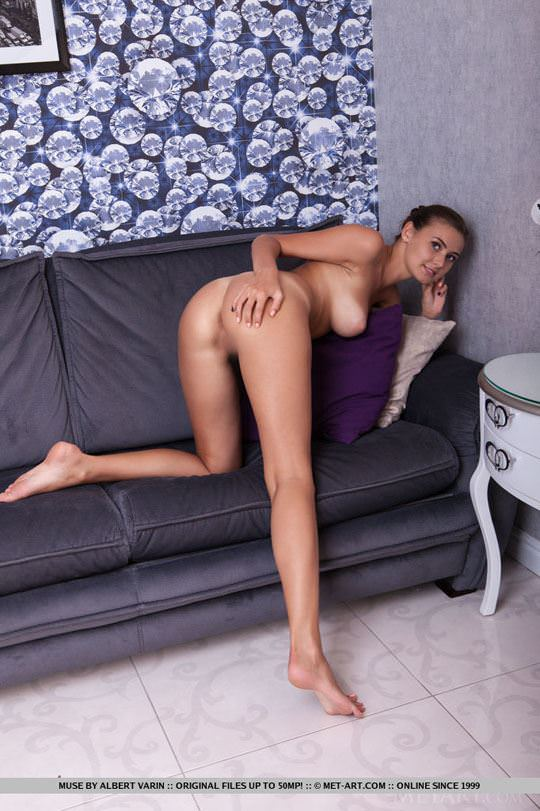 【外人】大人の身体に成長したグラマラスバディのモルドバ人モデルのミューズ(Muse)の全裸ヌードポルノ画像 1511