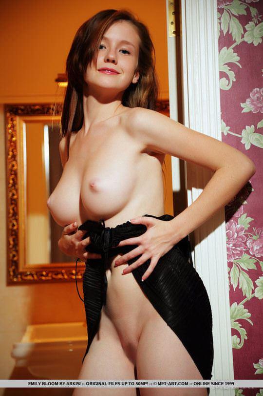 【外人】ウクライナが誇るめっちゃ綺麗なおわん型おっぱいのエミリー・ブルーム(Emily Bloom)のヌードポルノ画像 165