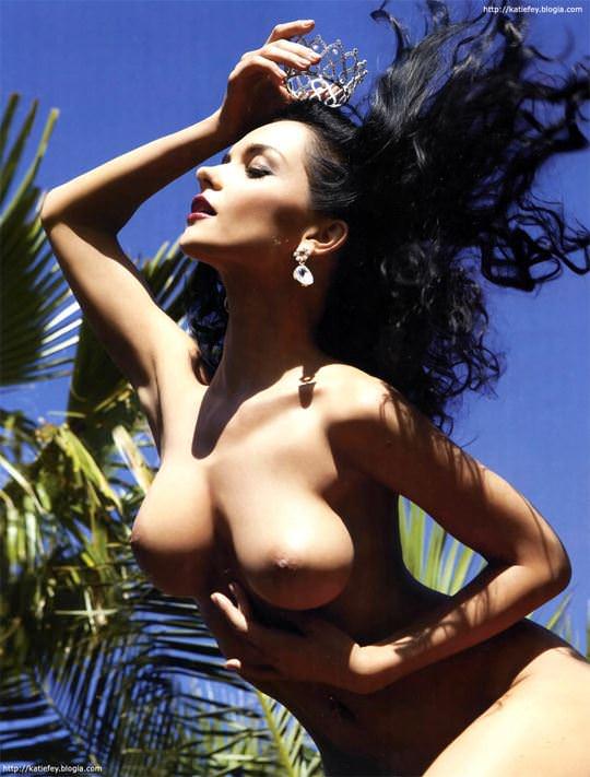 【外人】プレイボーイ誌に掲載されたウクライナ人ユージニア(Eugenia Diordiychuk)の美爆乳おっぱいヌードのポルノ画像 1653