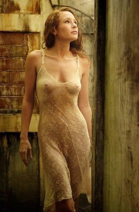 【外人】綺麗な赤毛を身に纏った美乳おっぱいヌードのポルノ画像 1841