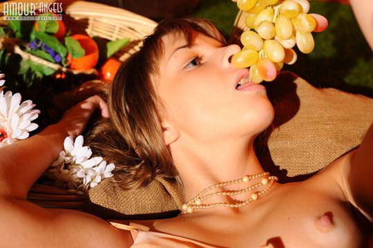 【外人】カウボーイのコスプレがめちゃ可愛いロシアン美少女のマン毛ヌードポルノ画像 186