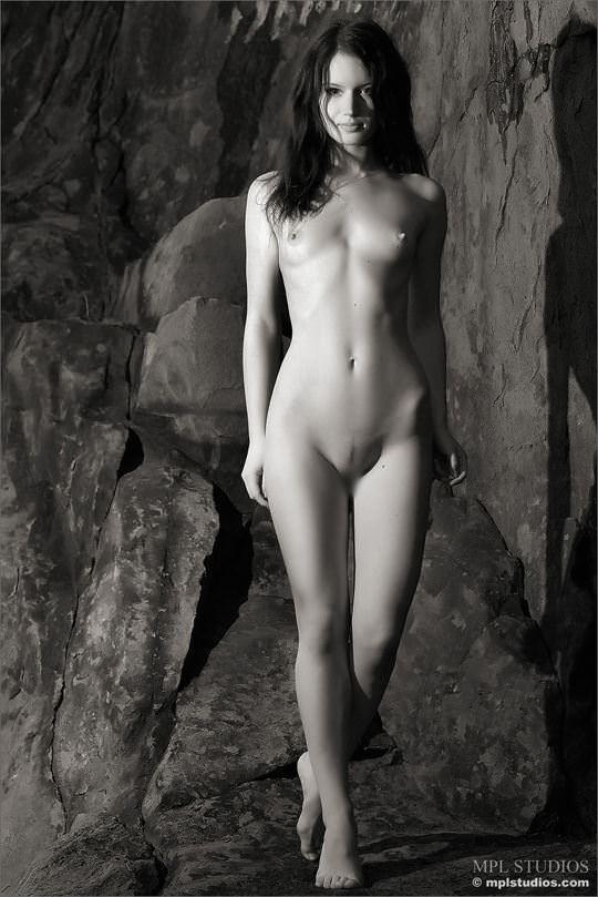 【外人】超絶人気のヌードモデルを集めたエロ可愛いポルノ画像 1870