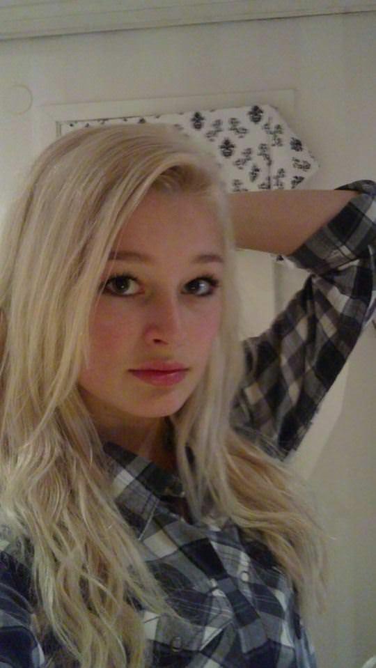 【外人】素人なのにガチ美少女のロリティーンの自画撮りポルノ画像 191