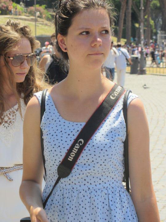 【外人】ローマで街撮りされちゃった女の子たちの着衣エロポルノ画像 201