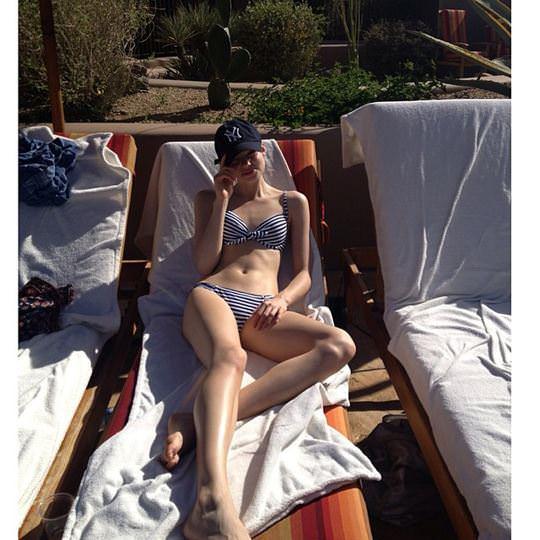 【外人】これぞ美少女顔なロリ娘クリスティン・フローセス(Kristine Froseth)のモデル写真ポルノ画像 2023
