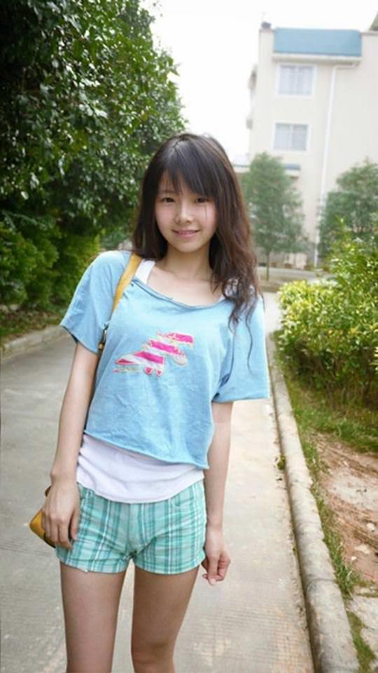 【外人】中国人の超絶美少女ひよこちゃんが童顔ロリ顔過ぎて26歳に見えないポルノ画像 2025